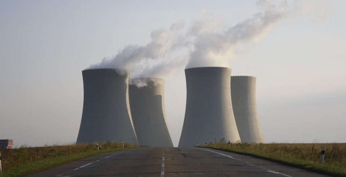 nuclear-power-plant-744424_1920