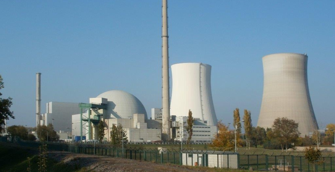 nuclear-power-plant-837823_1920